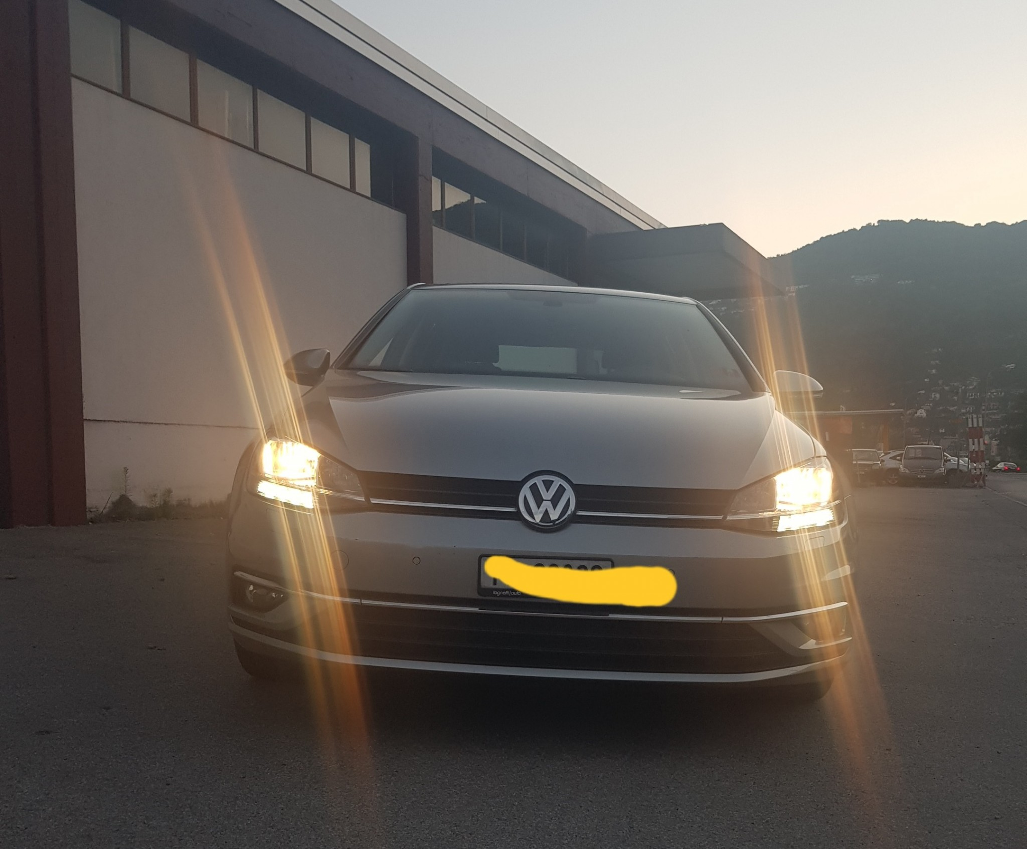 saloon VW Golf 7