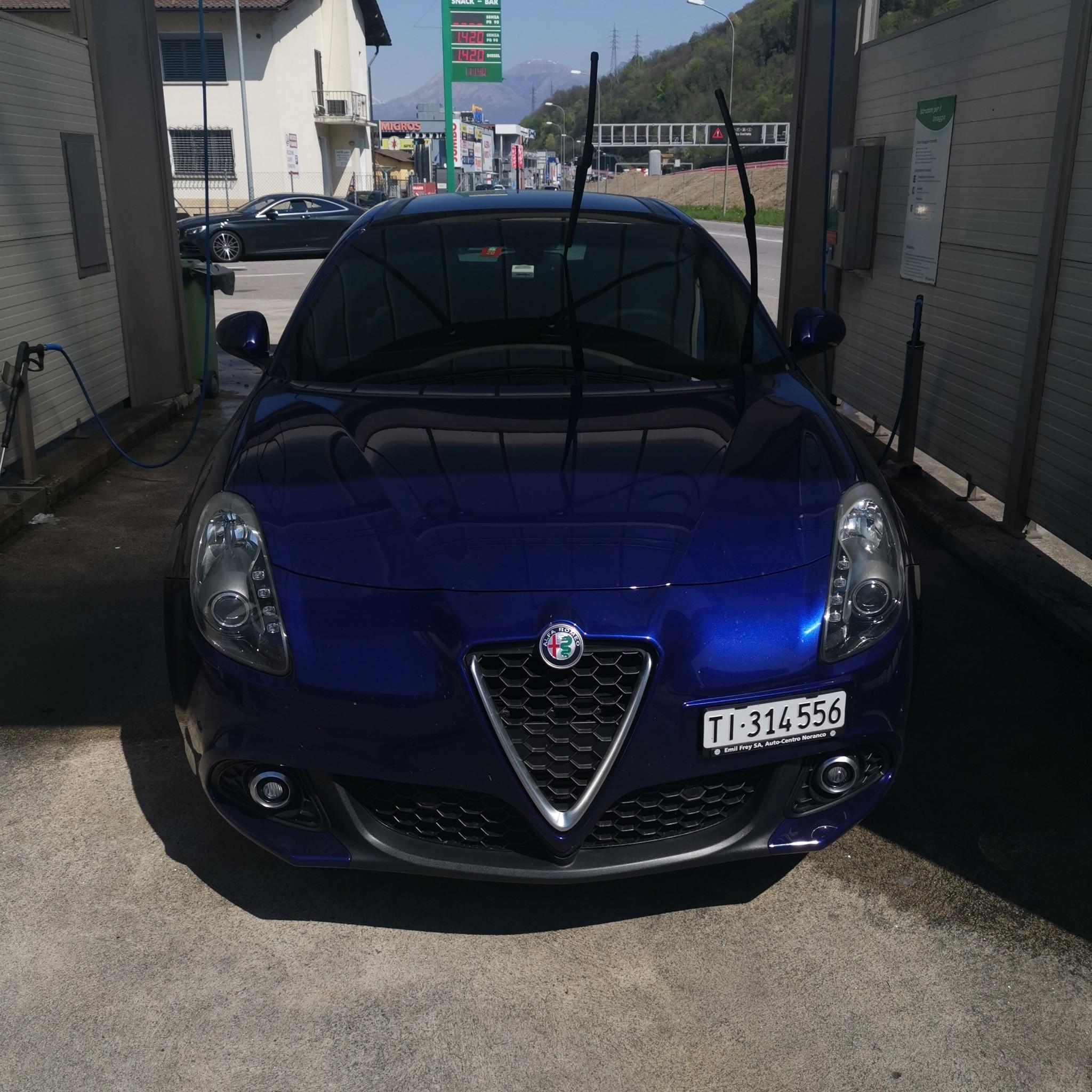 saloon Alfa Romeo Giulietta Alfa Romeo Giulietta