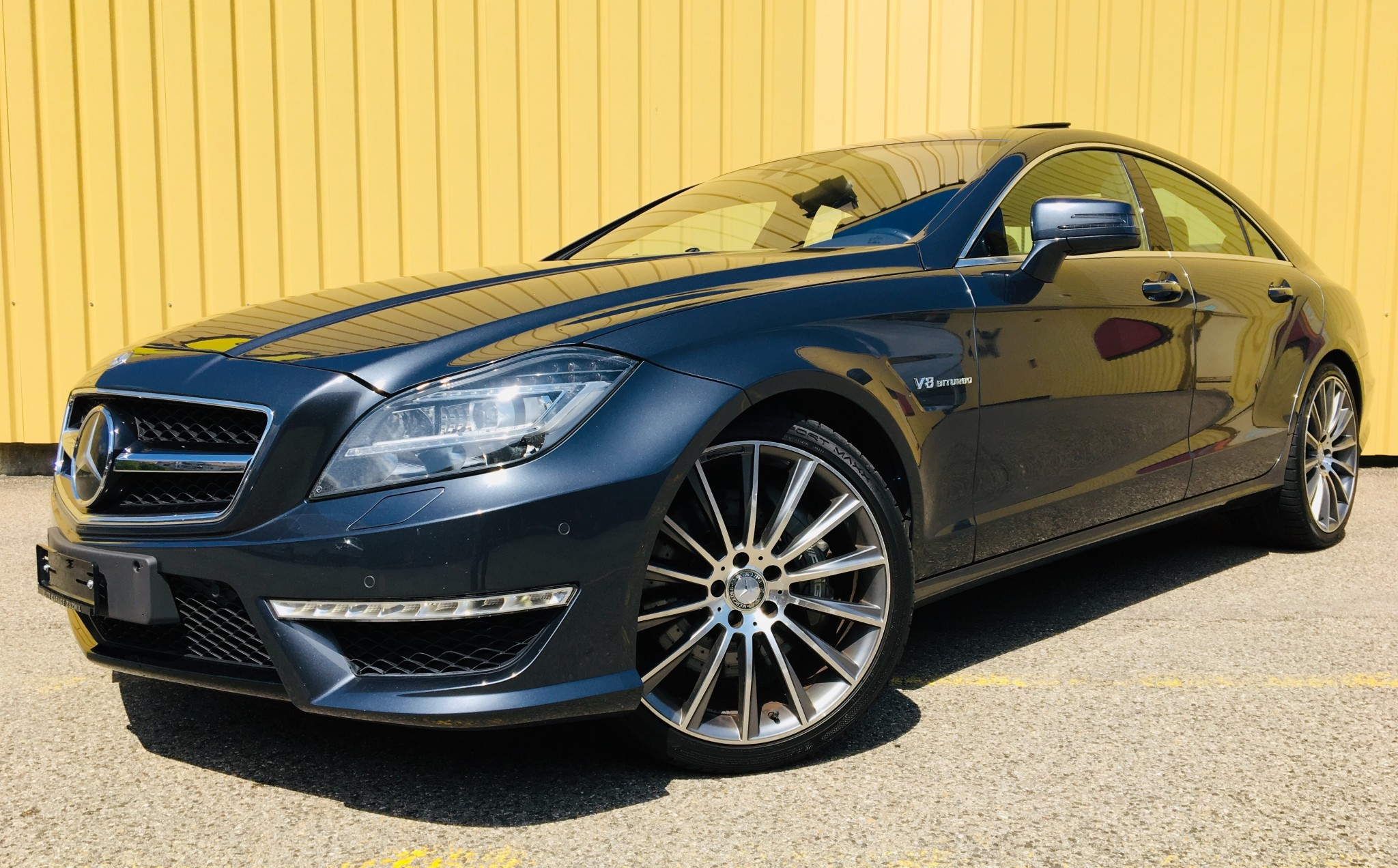 saloon Mercedes-Benz CLS 63 AMG 32'500km 05.2011