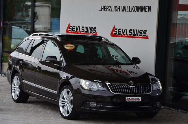 estate Skoda Superb Combi 2.0 TDi Ambition 4x4 DSG
