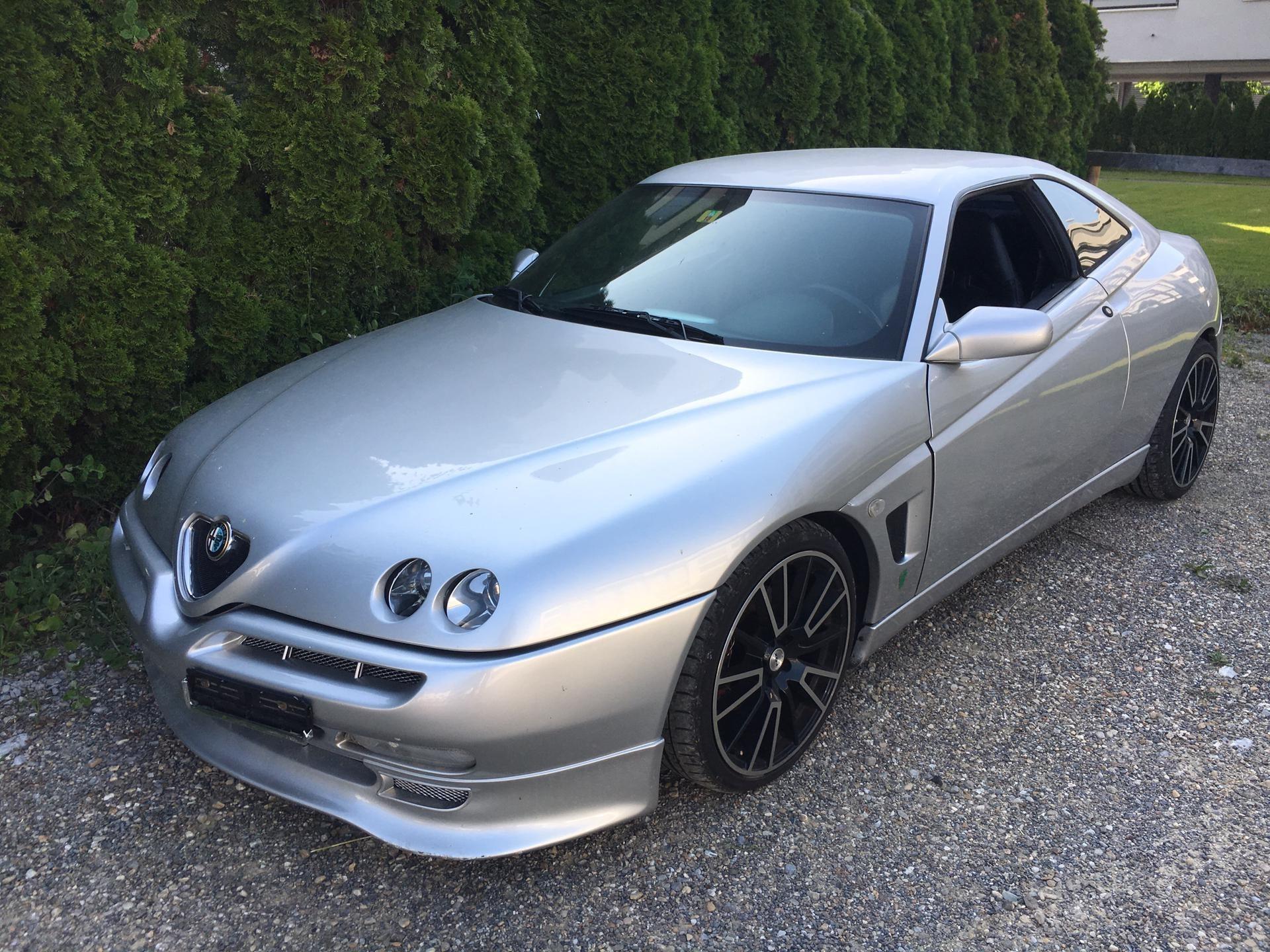 Buy Coupe Alfa Romeo Gtv Alfa Gtv V6 Turbo 300000 Km At 4000 Chf On Carforyou Ch