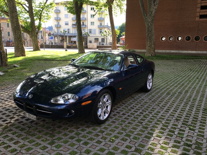 Jaguar XK 8 65'000 km 18'500 CHF - buy on carforyou.ch - 1