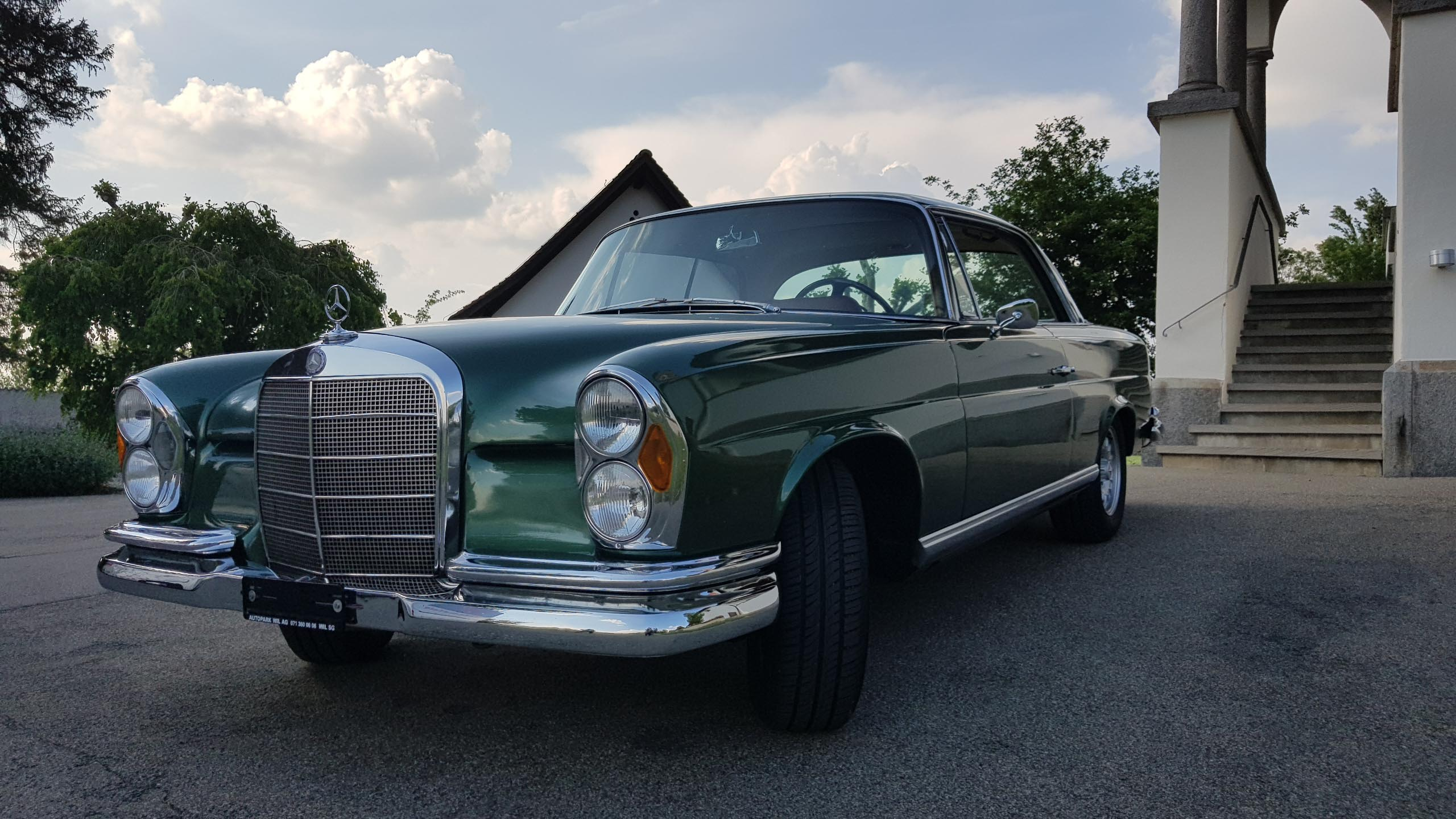 coupe Mercedes-Benz 250 W111