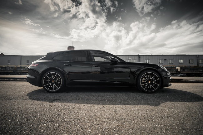 saloon Porsche Panamera GTS Sport Turismo PDK