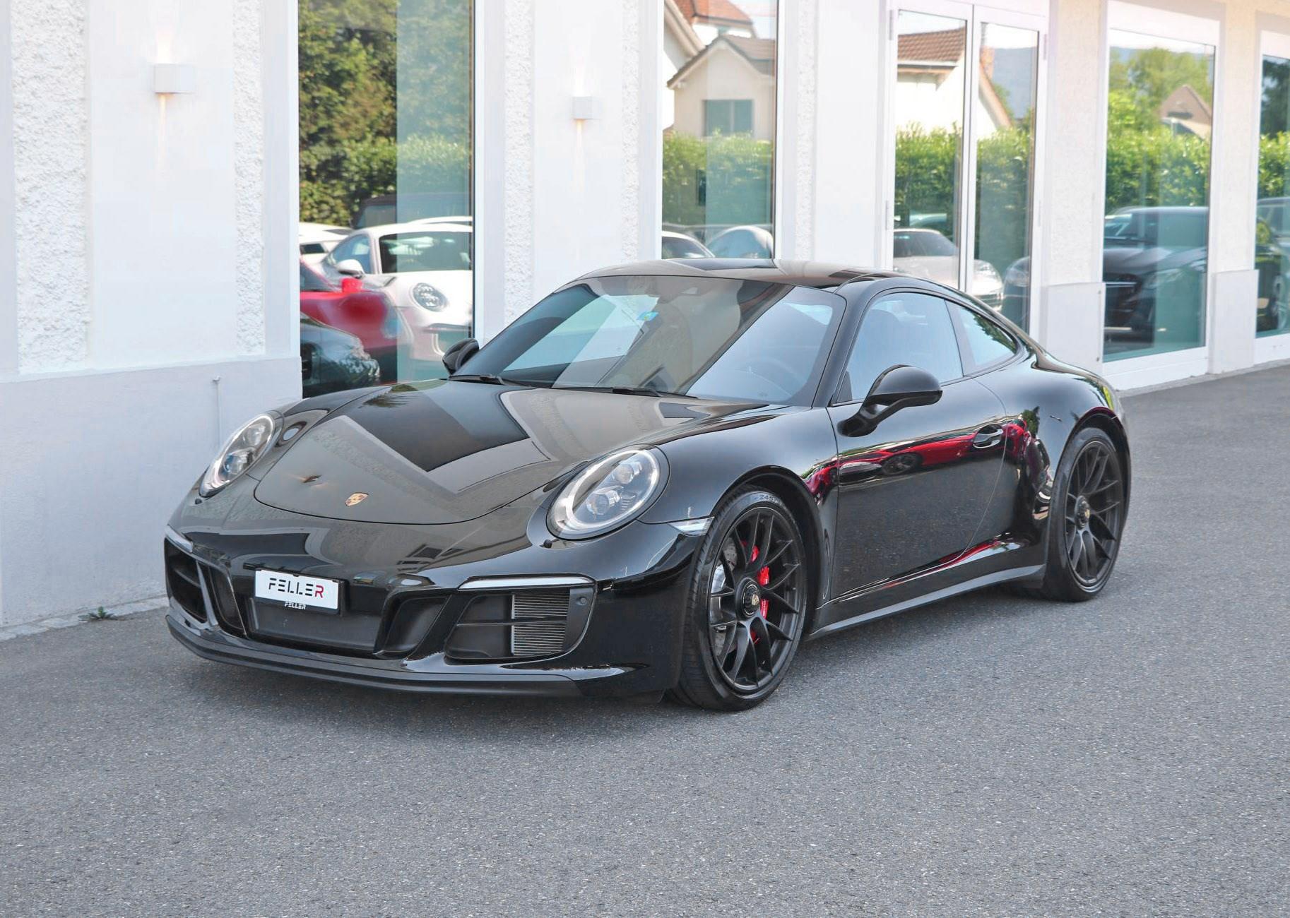 sportscar Porsche 911 Carrera GTS PDK
