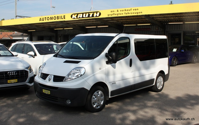 bus Renault Trafic 2.0 dCi Eco Passenger Authentique