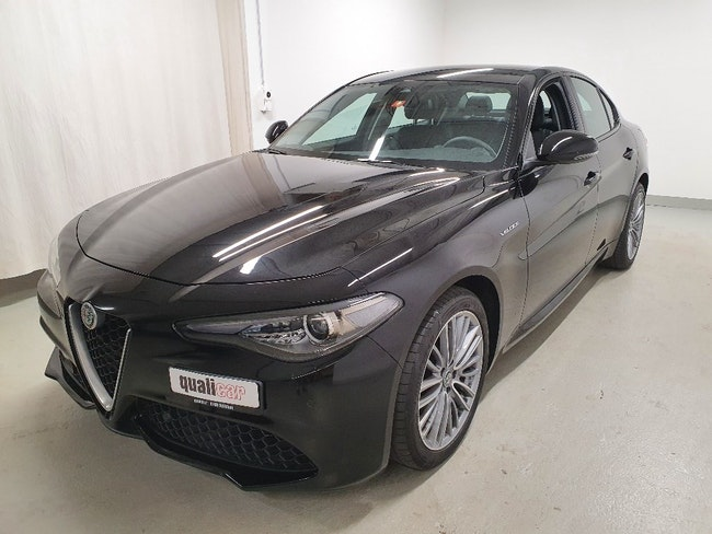 saloon Alfa Romeo Giulia 2.0 Q4 Veloce