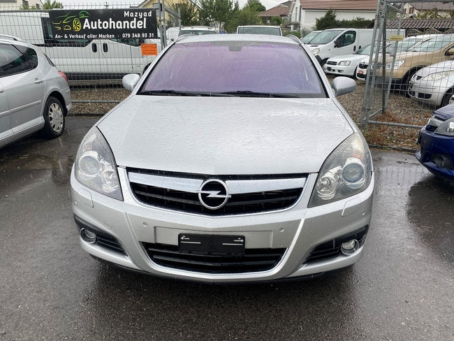 saloon Opel Signum 2.8 Turbo V6 Diamond Automatic