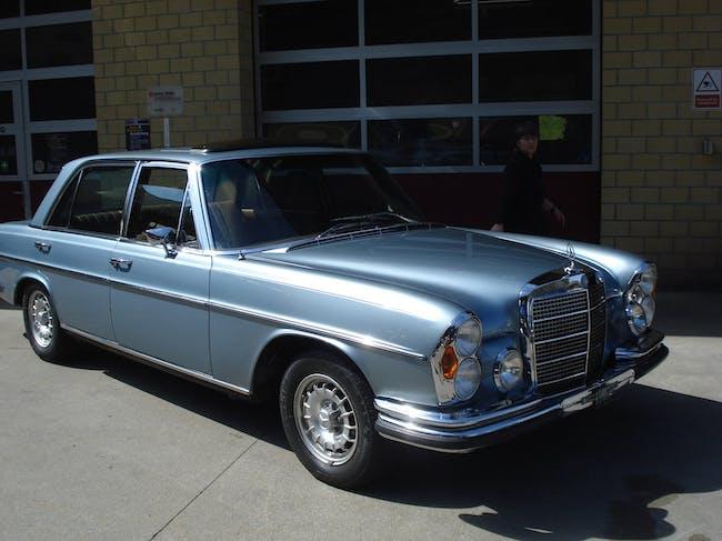 Mercedes-Benz E-Klasse 300 SEL 190'000 km CHF29'900 - buy on carforyou.ch - 1