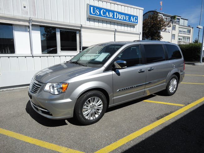 Chrysler Town & Country 3.6 V6 Limited 100 km CHF44'800 - buy on carforyou.ch - 1