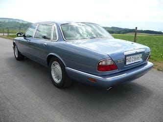 Daimler V8 4.0 213'000 km CHF9'500 - acquistare su carforyou.ch - 2