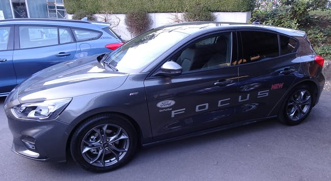 Ford Focus 1.0 SCTi ST Line 17'000 km CHF19'900 - buy on carforyou.ch - 1
