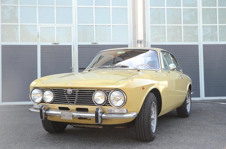 Alfa Romeo 2000 GTV Bertone 85'688 km CHF74'900 - buy on carforyou.ch - 1