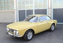 Alfa Romeo 2000 GTV Bertone 85'688 km CHF74'900 - buy on carforyou.ch - 2