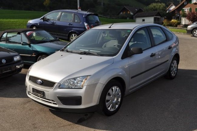 Ford Focus 1.6 16V TDCi Carving 140'000 km CHF7'800 - buy on carforyou.ch - 1