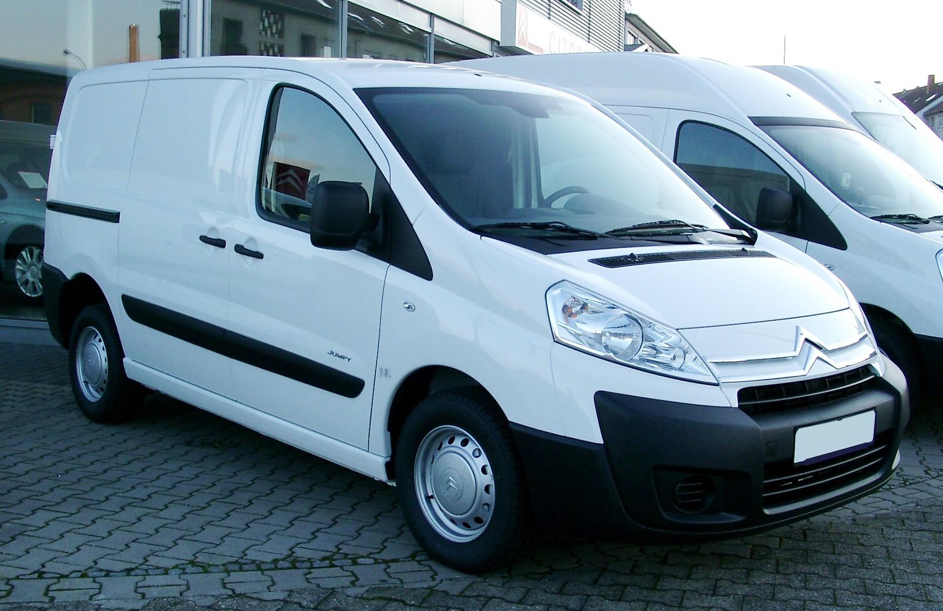 bus Peugeot Expert 2.0 Expert Diesel mit AHK 2100 Kg...sparsam,kraftvol
