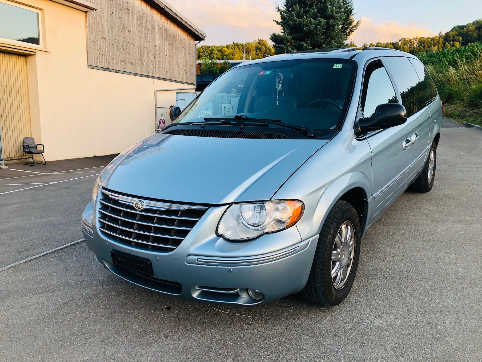 2020 Chrysler Town Country Performance and New Engine