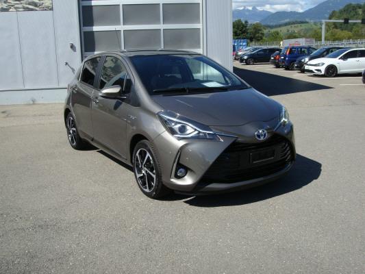 saloon Toyota Yaris 1.5 Hybrid Premium