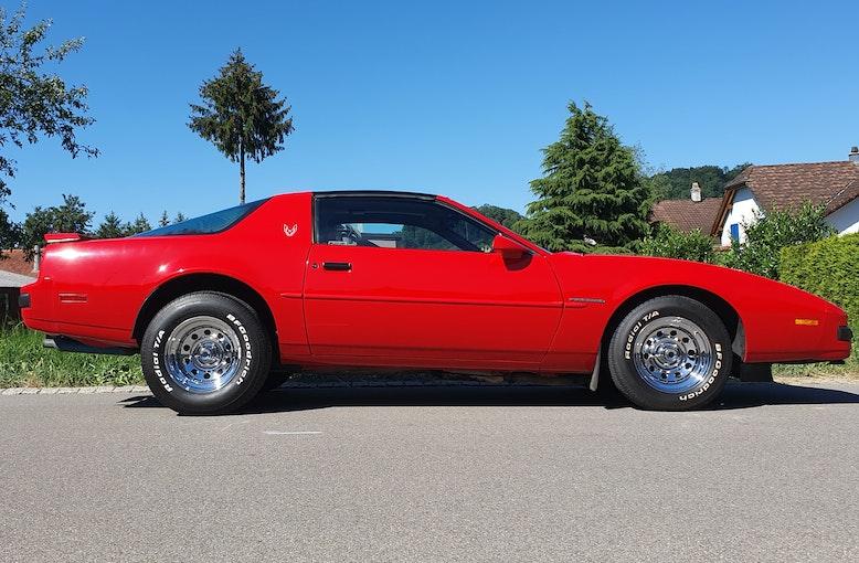 Pontiac Firebird 5.0 V8 31'000 km 13'500 CHF - acheter sur carforyou.ch - 1
