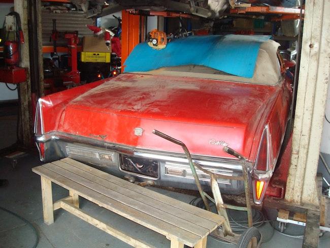 Cadillac De Ville , Cabriolet 1970, komplette Karrosserie 5'000 km 2'100 CHF - buy on carforyou.ch - 1