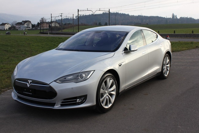 saloon Tesla Model S 85 ** Free Supercharger**