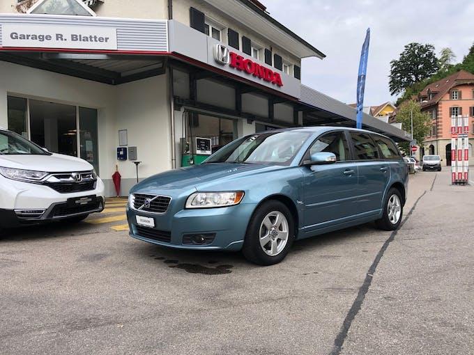 Volvo V50 1.6D Momentum 102'700 km CHF9'900 - buy on carforyou.ch - 1