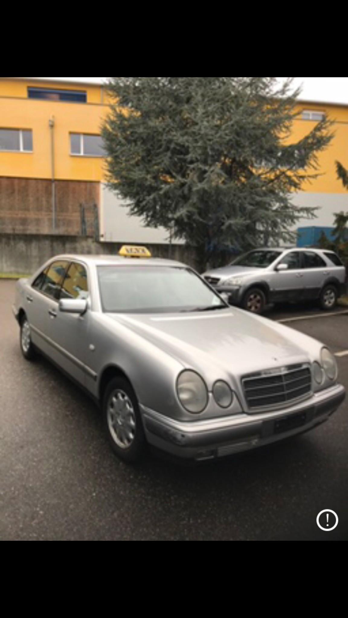 saloon Mercedes-Benz E-Klasse Mercedes benz E230 FrischMFK 28.02.2020