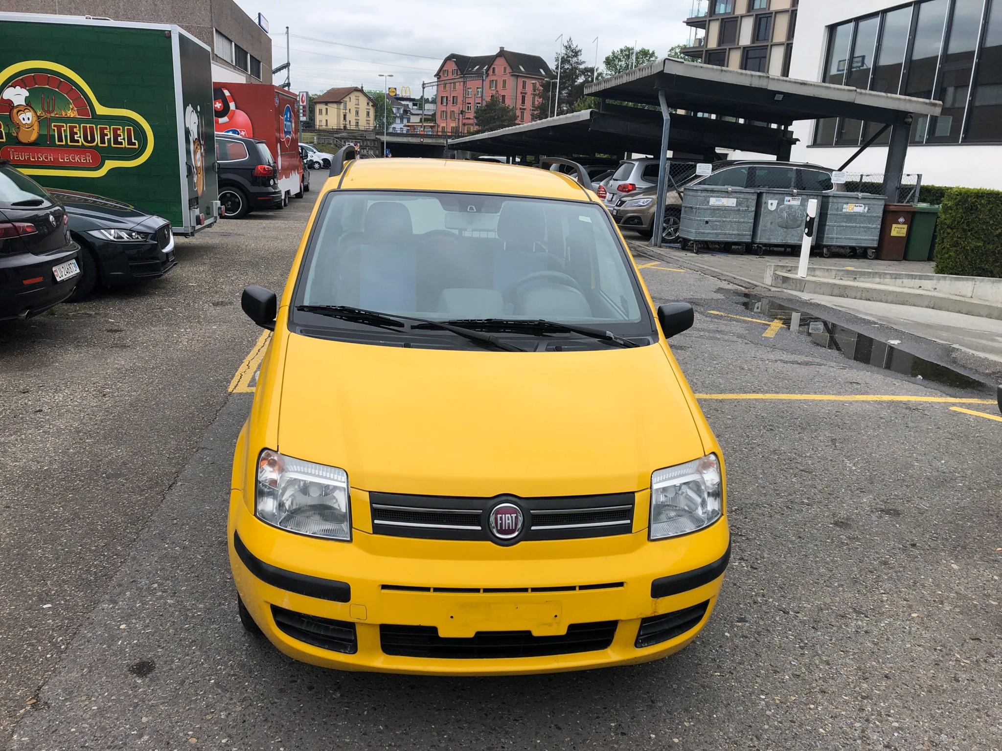 bus Fiat Panda mit frisch MFK