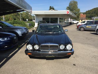 Daimler Daimler Double Six 5.3 166'000 km CHF16'900 - kaufen auf carforyou.ch - 2