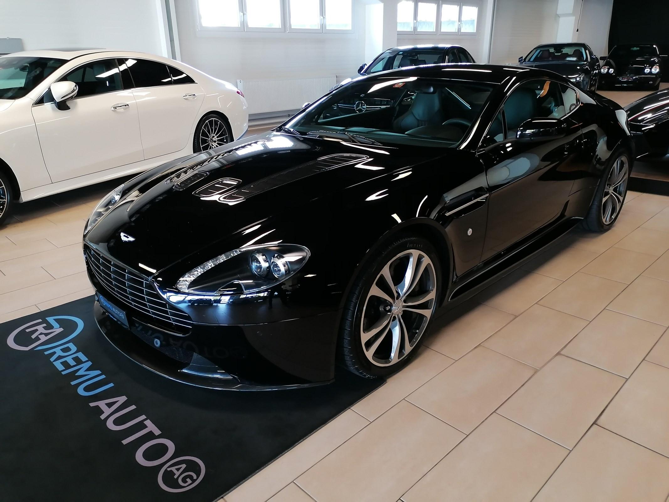sportscar Aston Martin V8/V12 Vantage V12 Vantage 5.9 CH-Fahrzeug