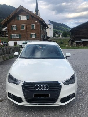 saloon Audi A1 1.6 TDI Attraction