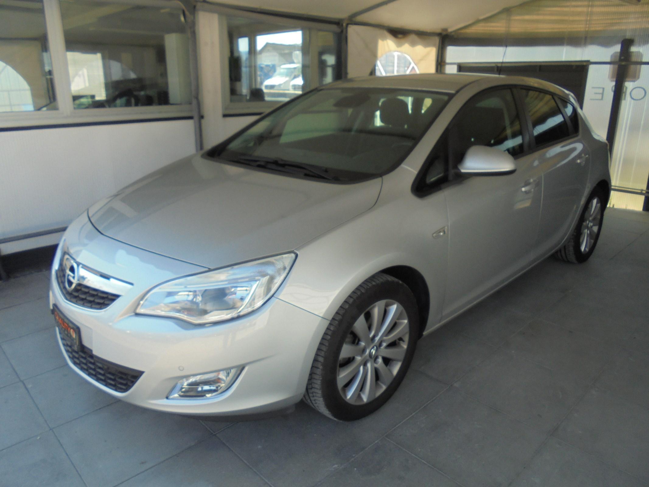 Buy Used Car Sedan Opel Astra 1 6i 16v Turbo Enjoy Automatic 121700 Km At 7700 Chf On Carforyou Ch