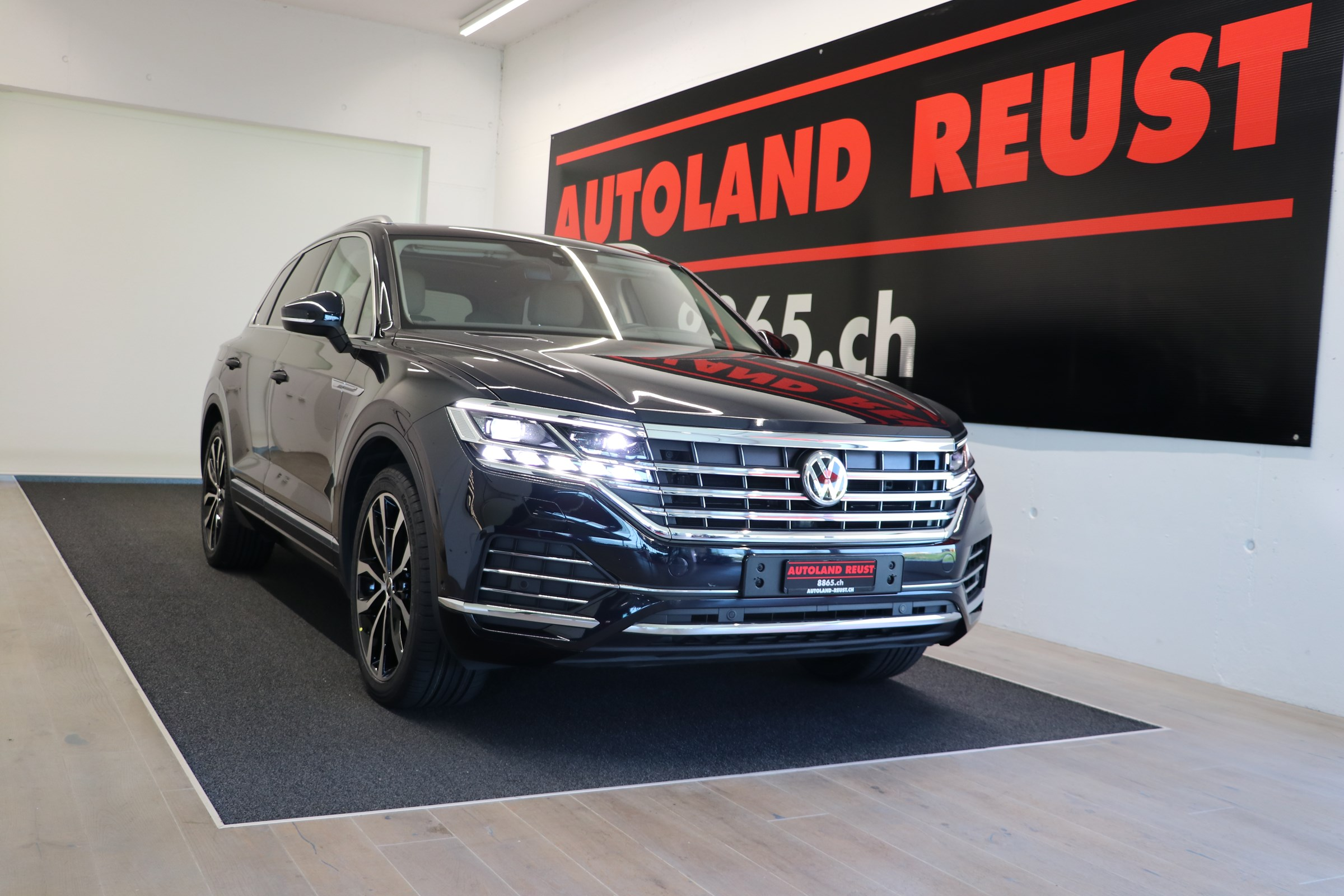 suv VW Touareg 3.0 TDI Atmosphere Tiptronic