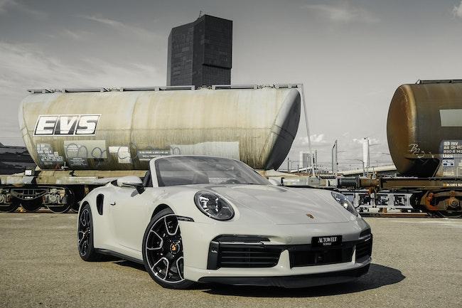sportscar Porsche 911 Turbo S Cabriolet PDK