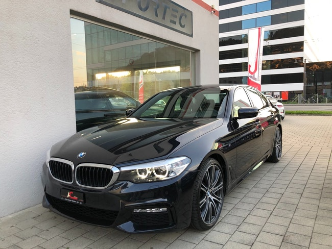 saloon BMW 5er 530d xDrive M-Sport Steptronic