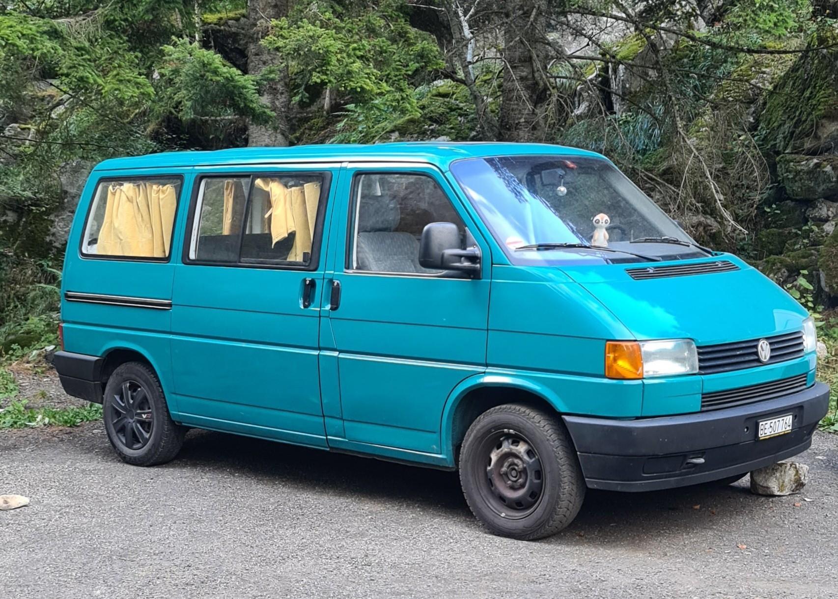"pickup VW T4 Multivan ""Surferbüssli"""