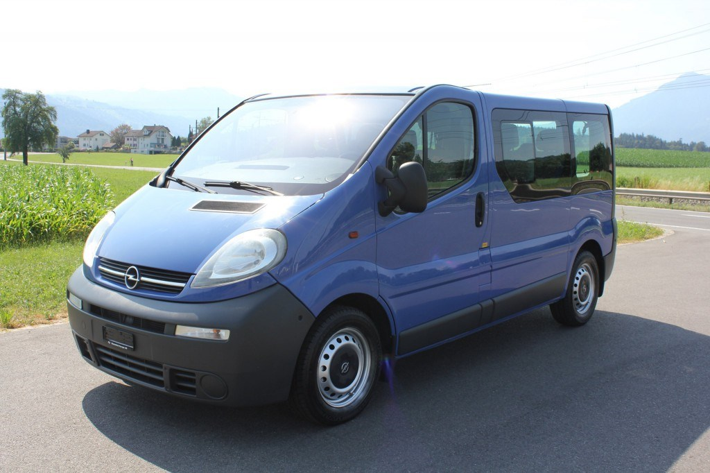 bus Opel Vivaro 2.5 CDTI 2.7t *9 Plätzer* Automat*