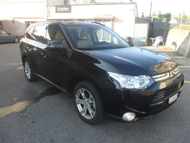 suv Mitsubishi Outlander 2.2 DID Intense Safety 4WD Automatic