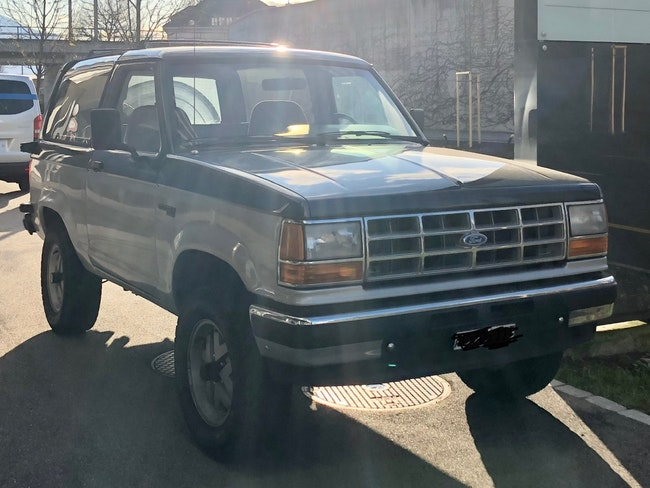 suv Ford USA Bronco Ford Bronco XLT 2