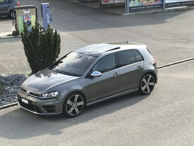 saloon VW Golf 2.0 TSI R 4Motion