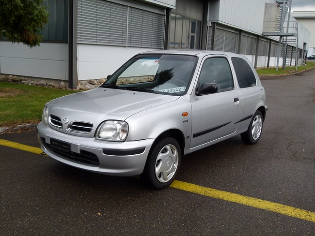 saloon Nissan Micra 1.3 Plus
