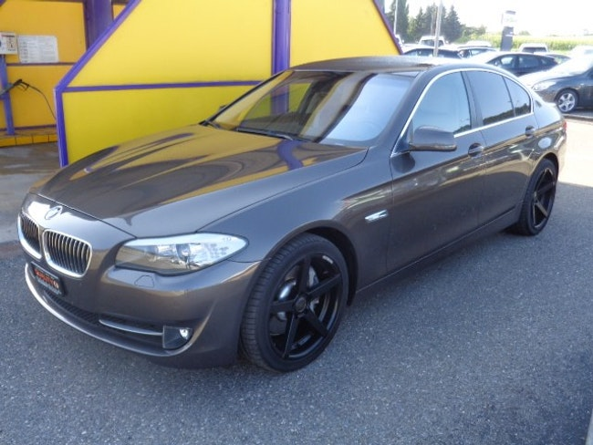saloon BMW 5er 525d Steptronic
