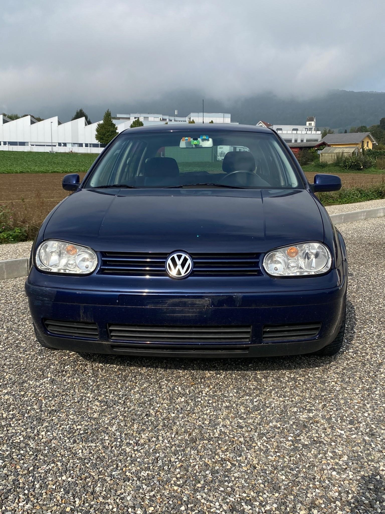 saloon VW Golf 4 1.6