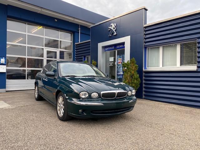 saloon Jaguar X-Type 2.5 V6 Executive