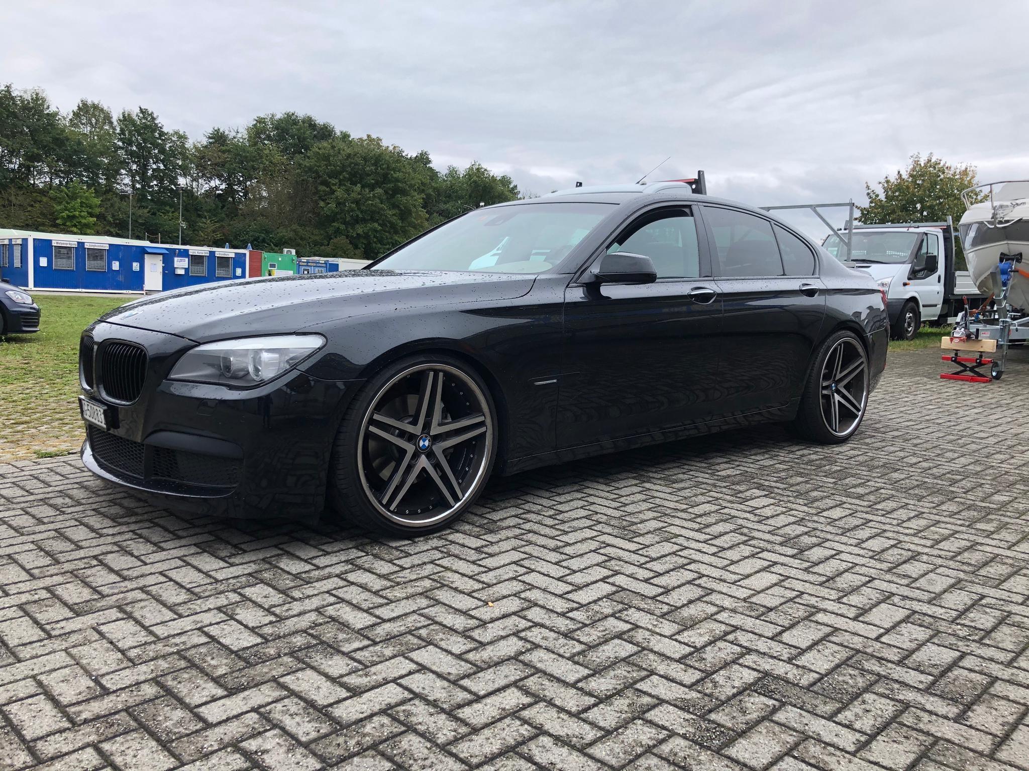 saloon BMW 7er 730d