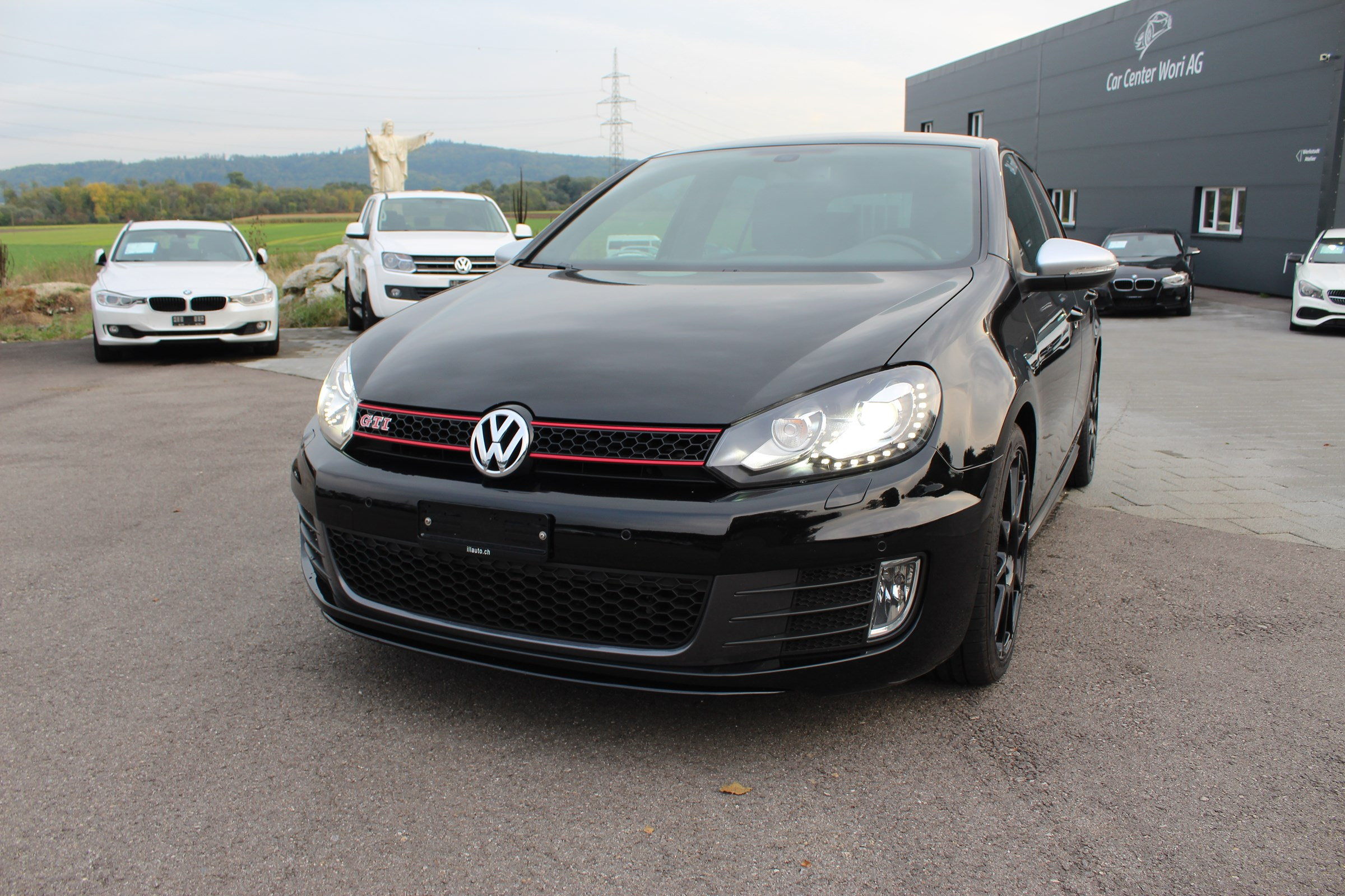 saloon VW Golf 2.0 TSI GTI DSG