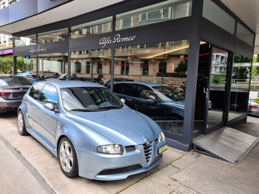 saloon Alfa Romeo 147 3.2 GTA SLSPD