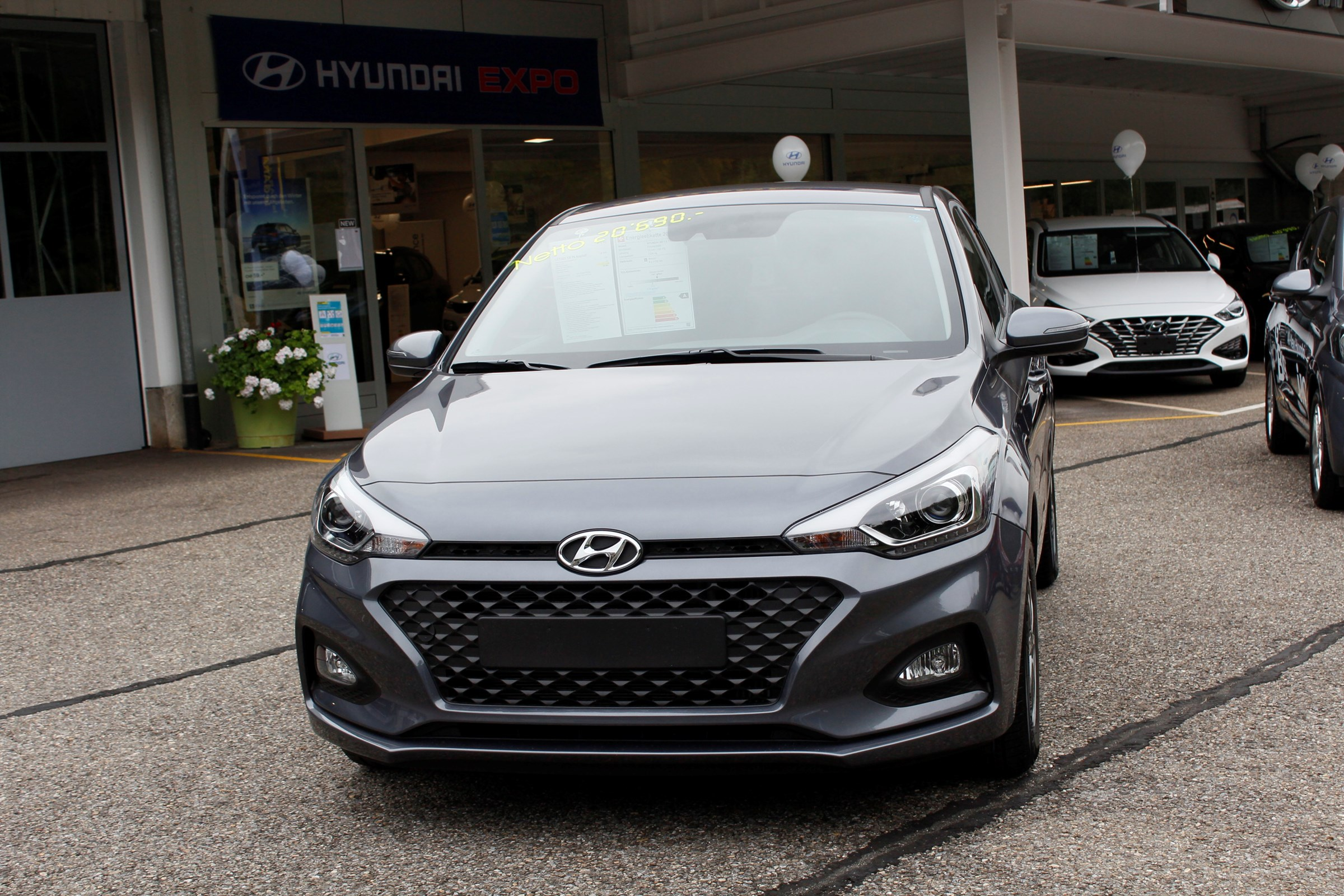 saloon Hyundai i20 1.0 T-GDi Amplia DCT