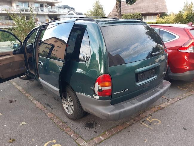 van Chrysler Voyager Grand 3.3 LE
