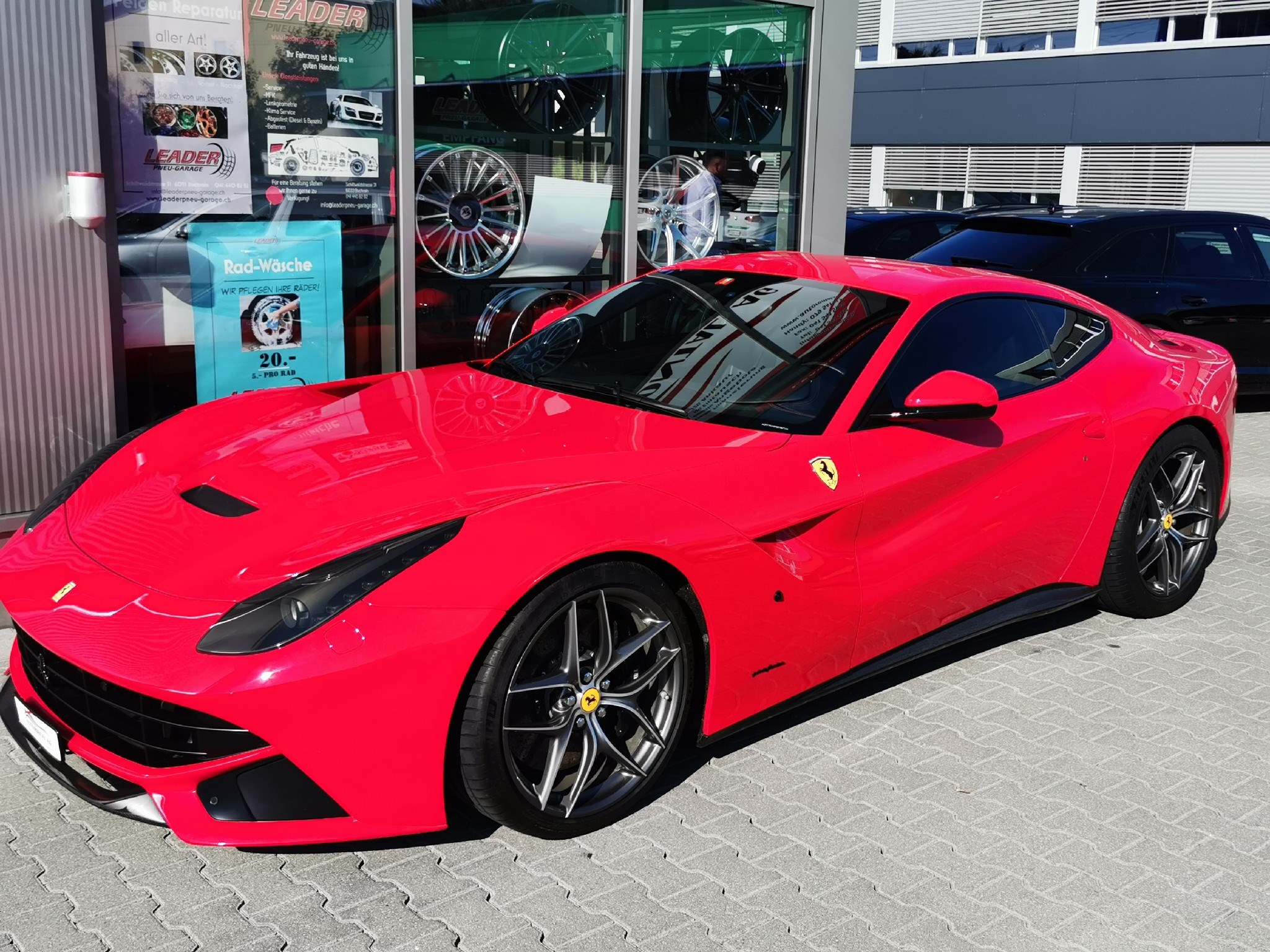 Gebraucht Sportwagen Ferrari F12 Berlinetta 29900 Km Für 239988 Chf Kaufen Auf Carforyou Ch